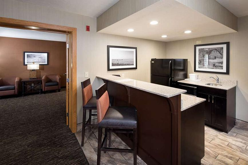 Hotel in Rapid City | Best Western Ramkota Hotel