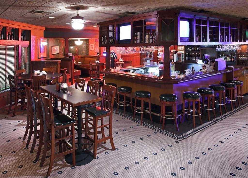 Best Western Ramkota Hotel - Minervas Bar