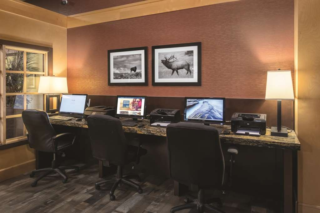 Best Western Ramkota Hotel - Business Center