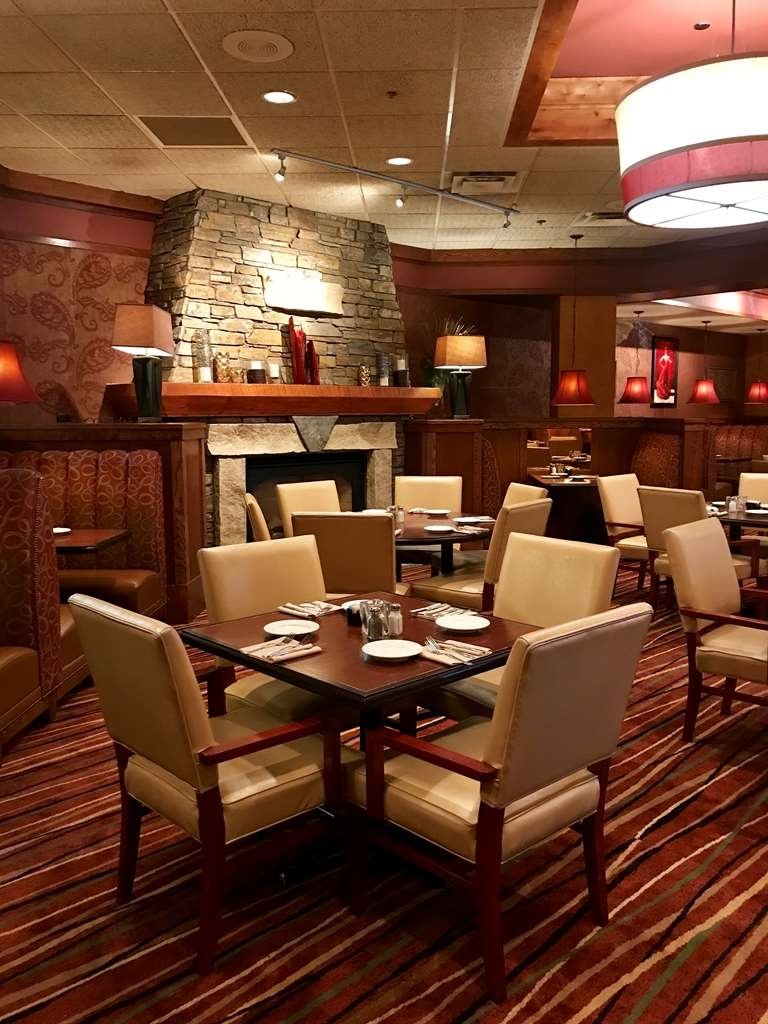 Best Western Ramkota Hotel - Minervas Restaurant on-site