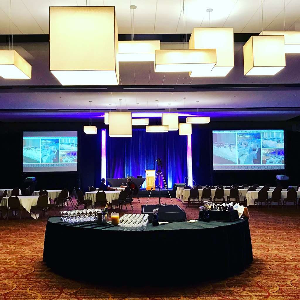 Best Western Ramkota Hotel - Rushmore Ballroom meeting space