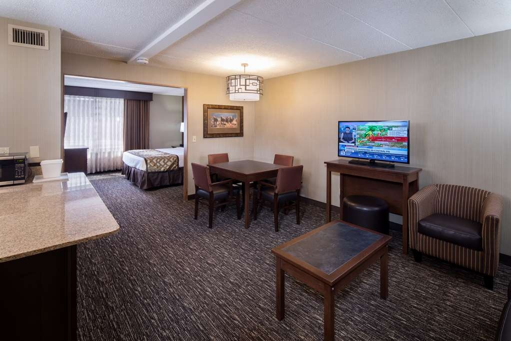 Best Western Ramkota Hotel - Guest Room Executive Suite