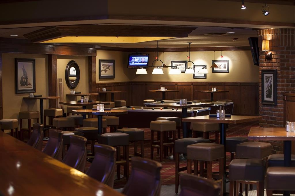 Best Western Ramkota Hotel - Bar / Lounge