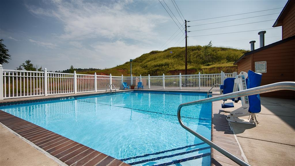 Best Western Black Hills Lodge - Vista de la piscina
