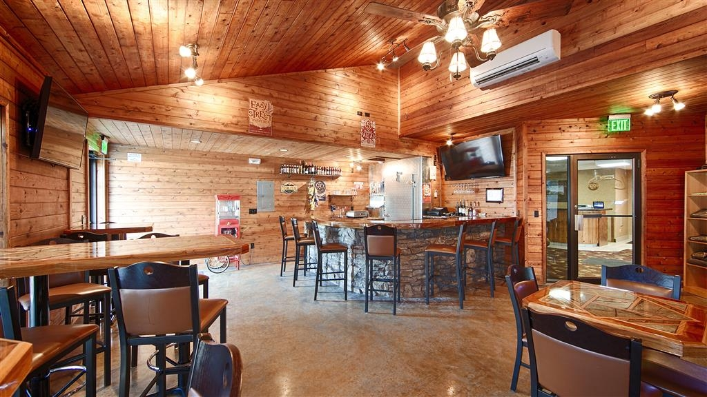 Best Western Black Hills Lodge - Beer and Wine Lounge