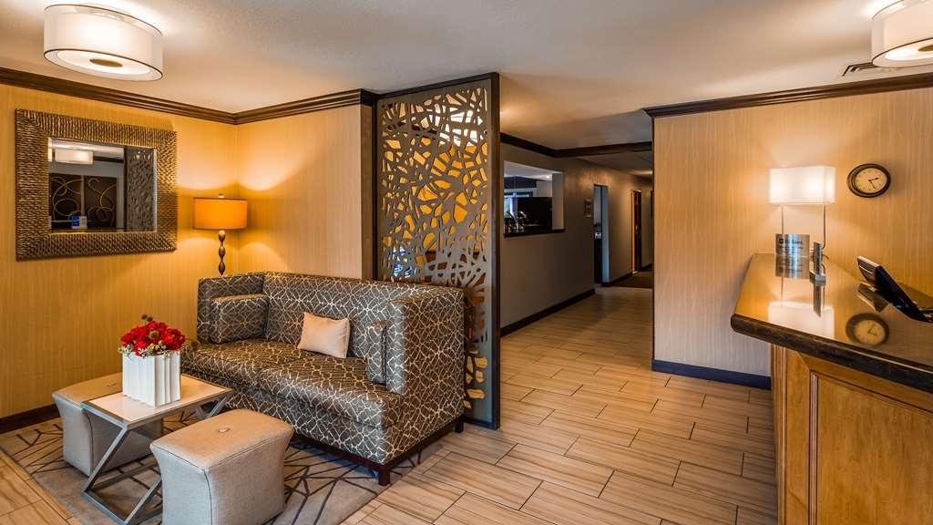 Best Western Black Hills Lodge - Vista del vestíbulo