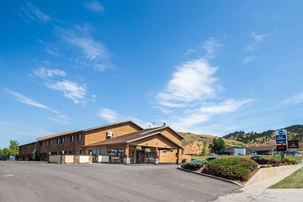 Best Western Black Hills Lodge - Make the Best Western Black Hills Lodge your home away from home while exploring Spearfish, South Dakota.