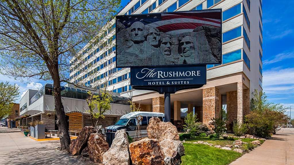 The Rushmore Hotel & Suites, BW Premier Collection - Vista exterior