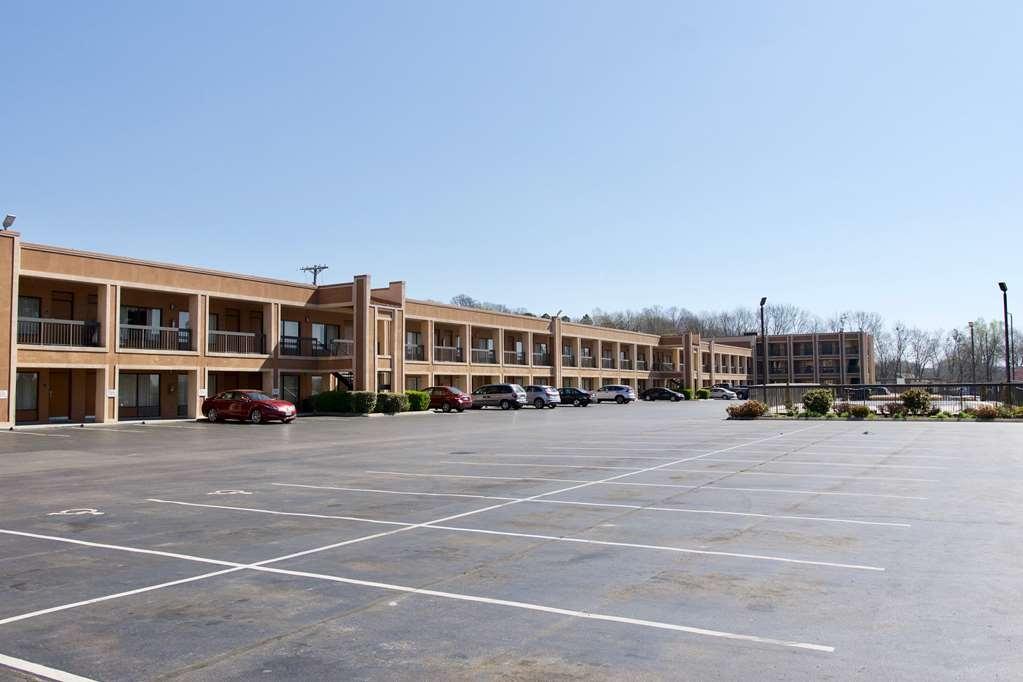 Best Western Thunderbird Motel - Facciata dell'albergo