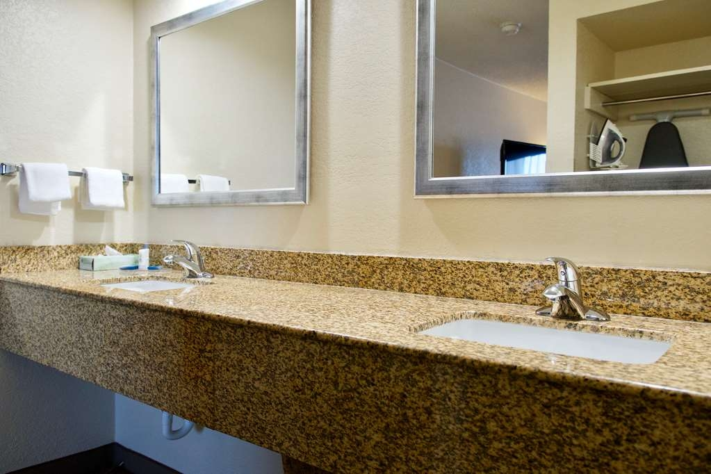 Best Western Thunderbird Motel - All standard rooms have a large vanity with plenty of room to unpack the necessities. We take pride in making everything spotless for your arrival.
