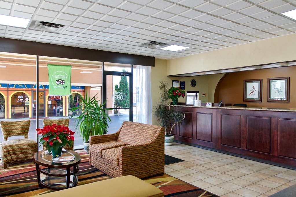 Best Western Thunderbird Motel - Hall