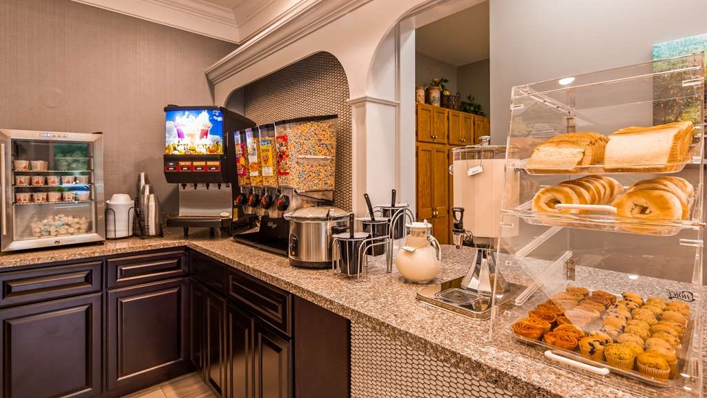 Best Western Plaza Inn - Kick-start your morning with a complimentary continental breakfast with a choice of cereals, choice of breads, fruit and more.