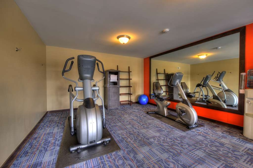 Best Western Newport Inn - Enjoy a great exercise to start your day in our wonderful fitness center!