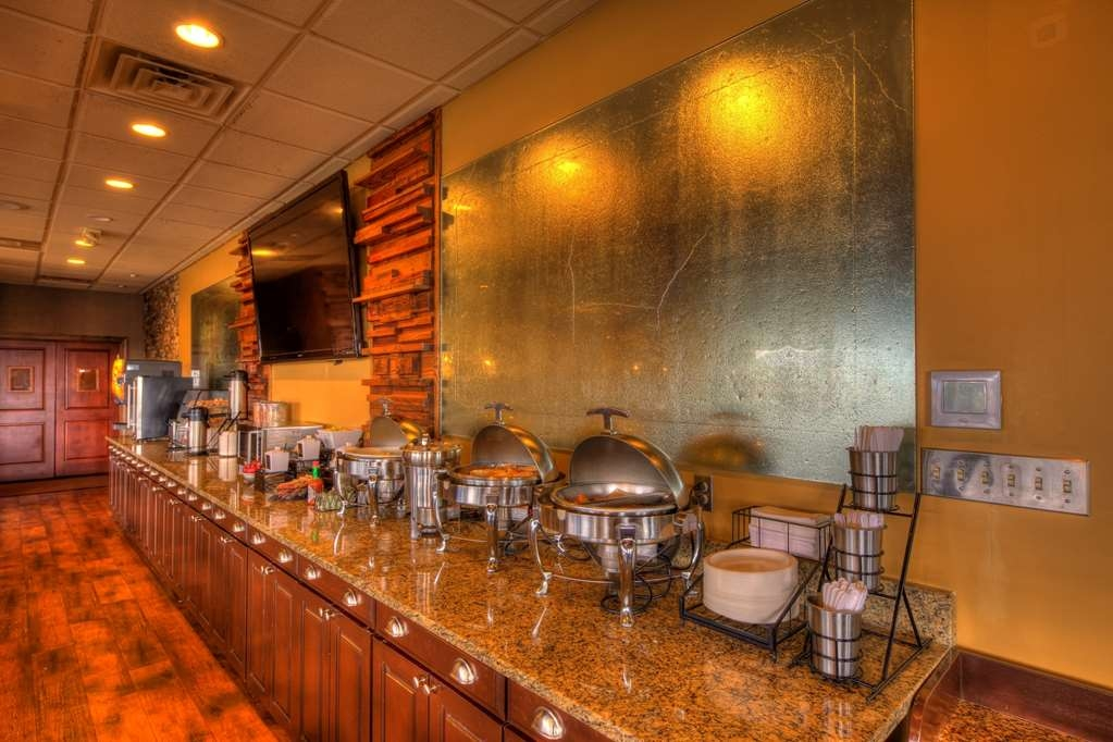 Best Western Newport Inn - Breakfast Bar