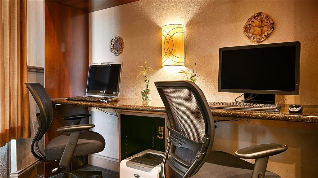 Best Western Heritage Inn - Feel free to check your email in our business center