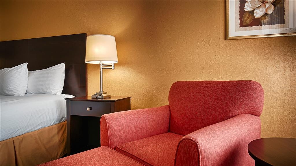 Best Western Heritage Inn - Live in true luxury when you book one of our king guest rooms.
