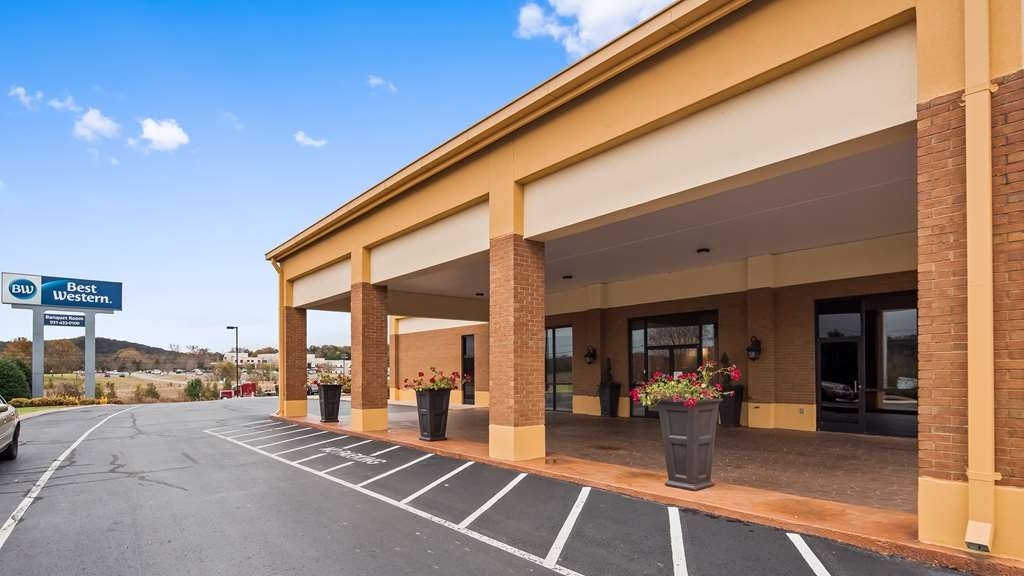 Best Western Fayetteville Inn - Facciata dell'albergo
