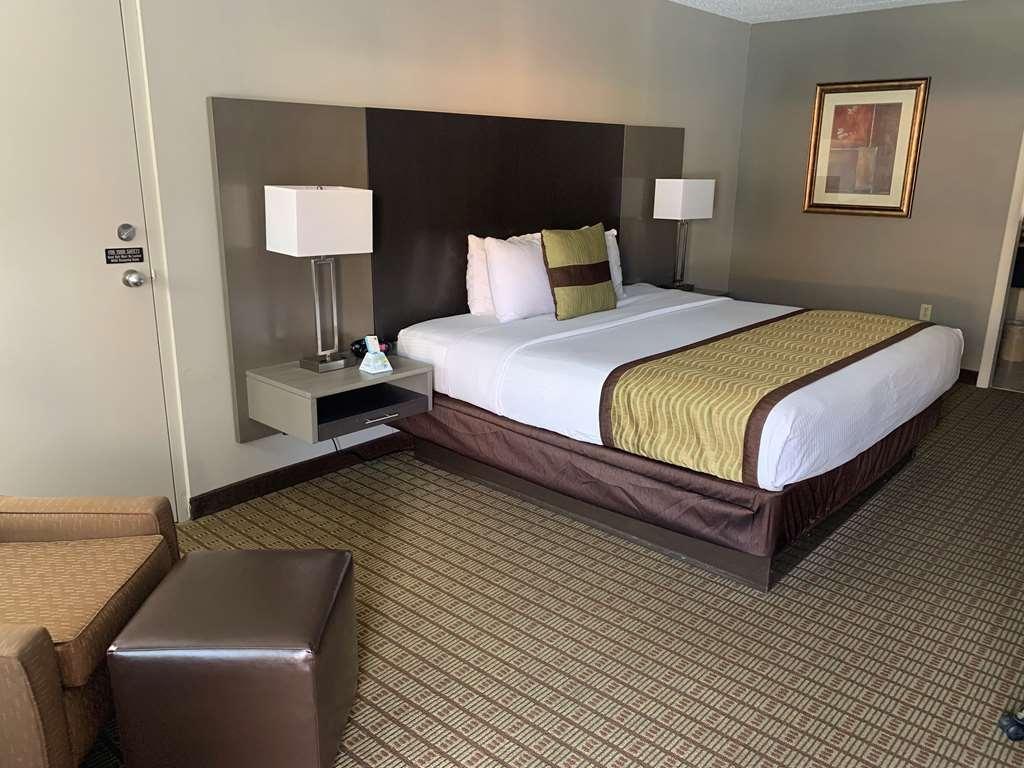 Best Western Fayetteville Inn - Guest room