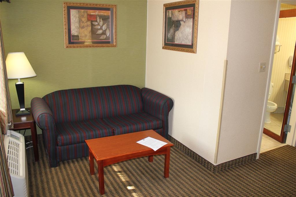 Best Western Celebration Inn & Suites - Our one bedroom suites feature a living room area with a full-size sofabed.