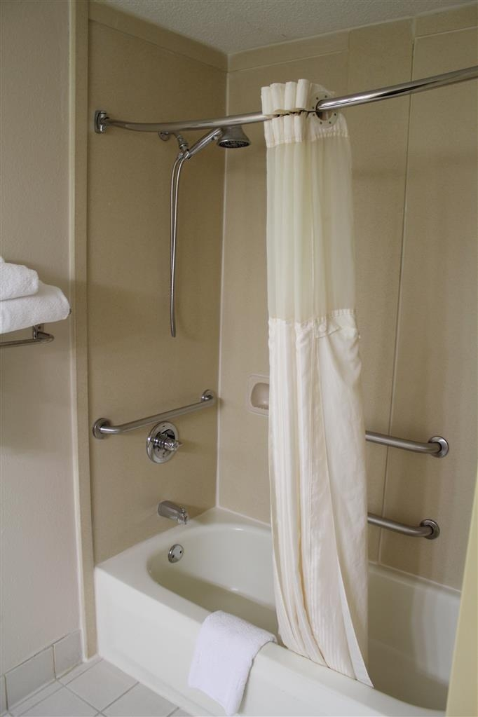 Best Western Chaffin Inn - Our ADA mobility accessible room with features a large bath with step in tub/shower and handrails in shower and near the toilet area.
