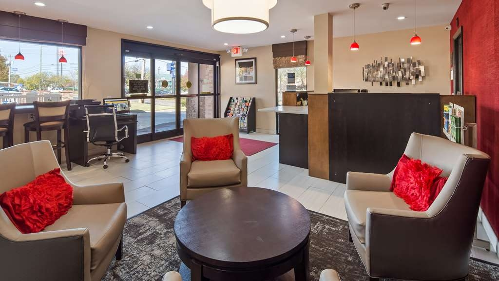 Best Western Chaffin Inn - Relax and enjoy some down time in our lobby