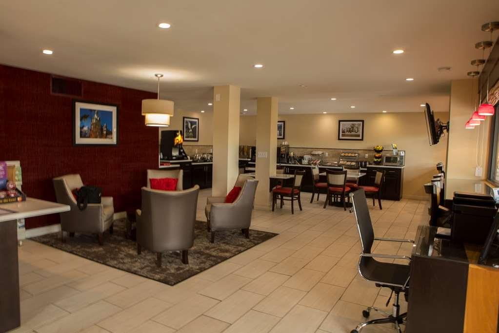Best Western Chaffin Inn - Vista del vestíbulo