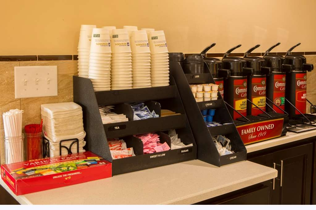 Best Western Chaffin Inn - In our breakfast area we have a 24 hour coffee and tea station for your enjoyment.