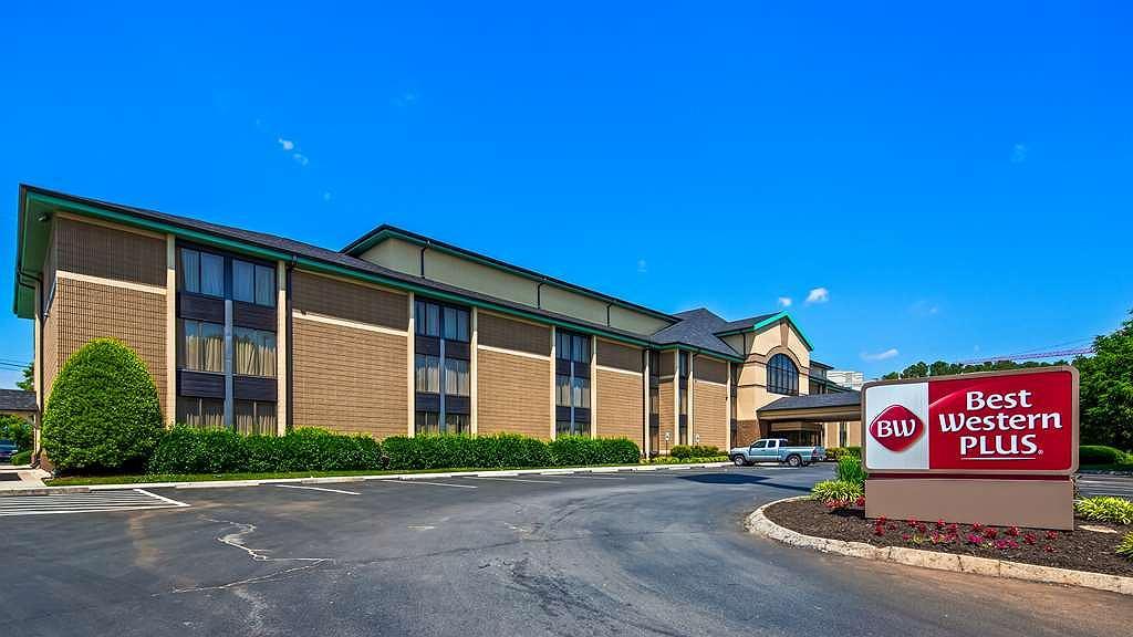 Best Western Plus Cedar Bluff Inn - Vista exterior