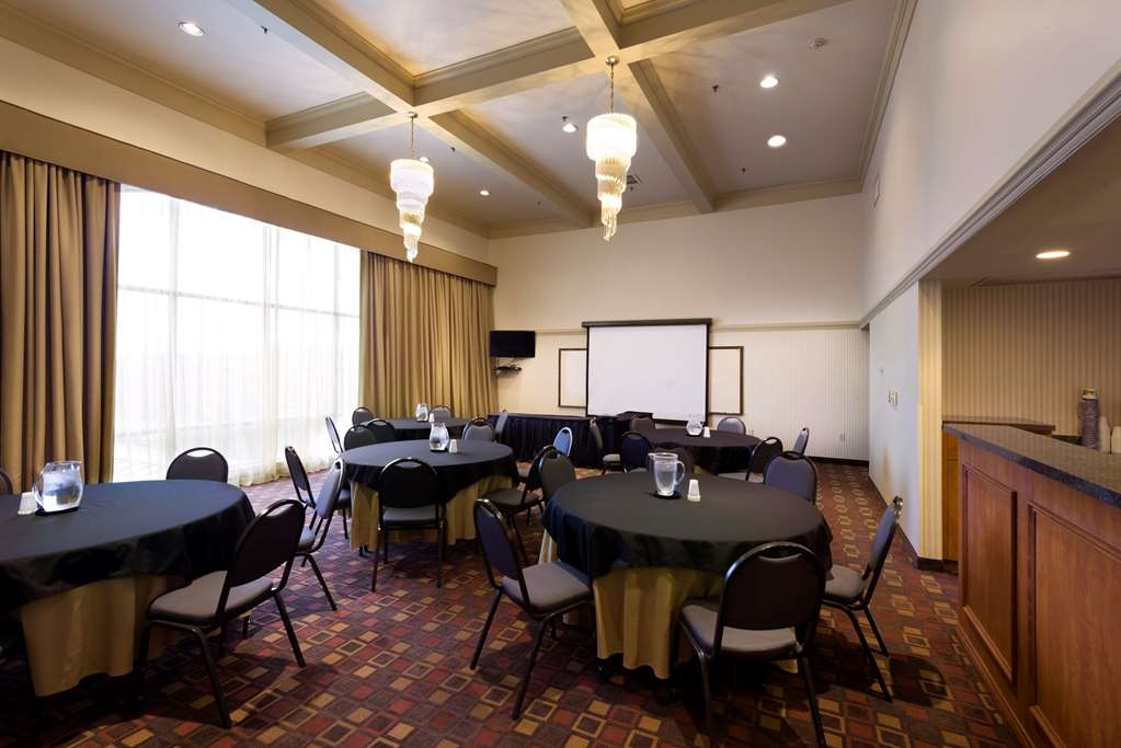 Best Western Plus Cedar Bluff Inn - Ballroom