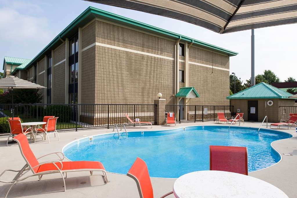 Best Western Plus Cedar Bluff Inn - Vue de la piscine