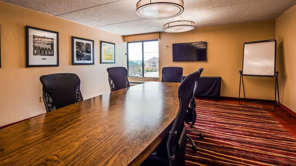 Best Western Plus Cedar Bluff Inn - Board Room