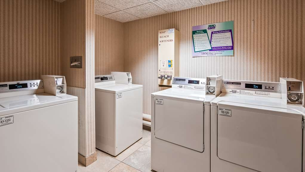 Best Western Plus Cedar Bluff Inn - Laundry Facilities
