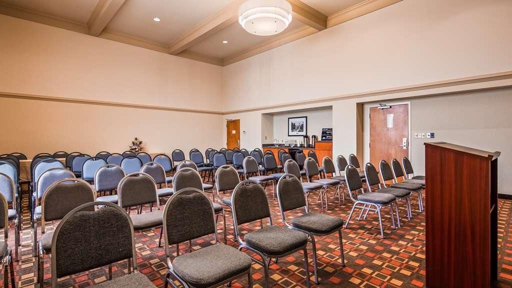 Best Western Plus Cedar Bluff Inn - Envoy Room