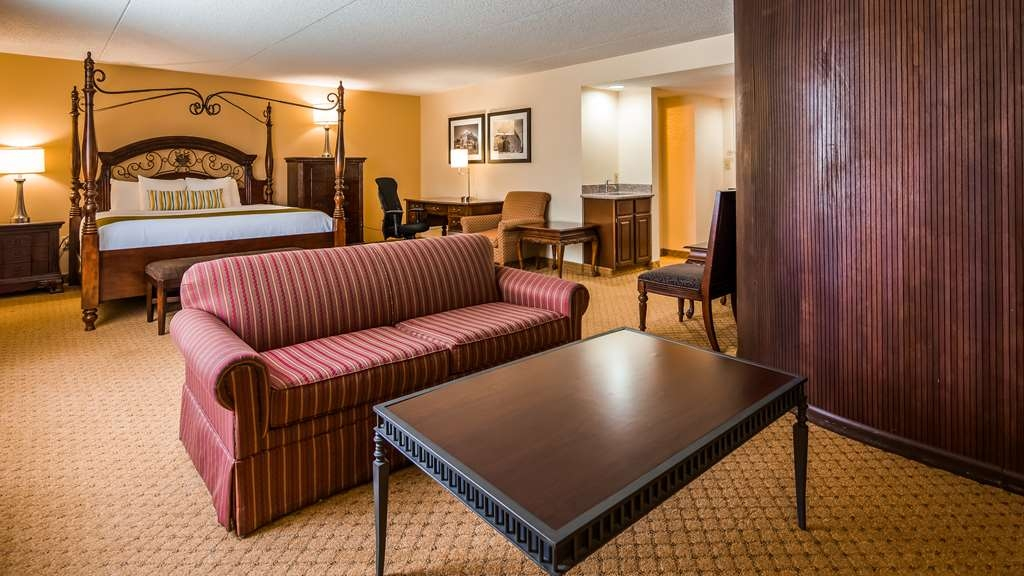 Best Western Plus Cedar Bluff Inn - Suite