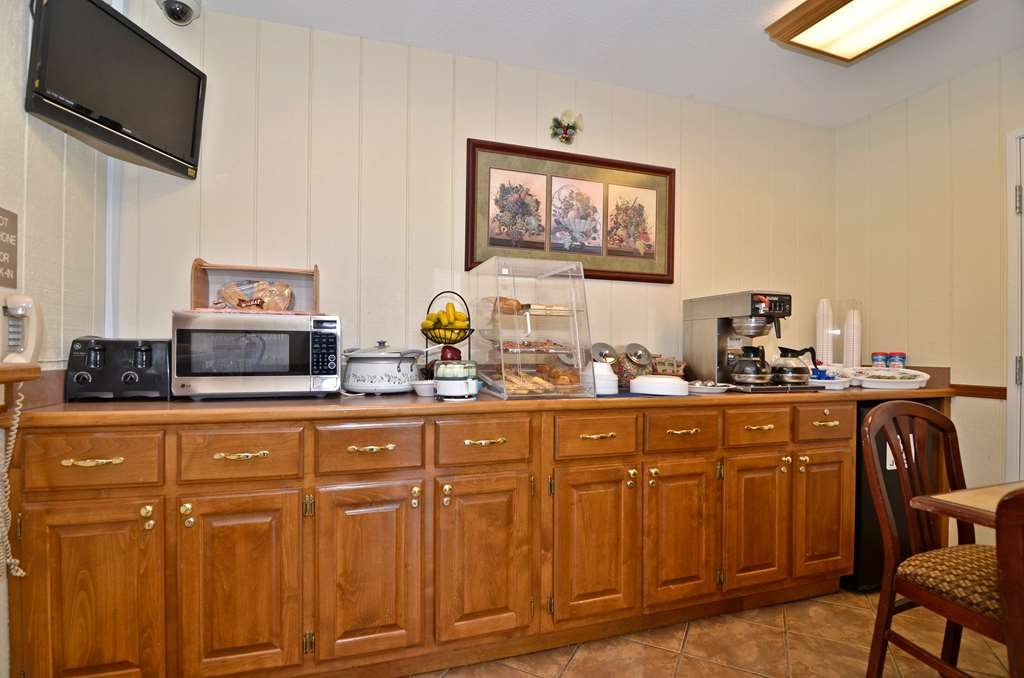 Best Western McKenzie - This is a full view of our breakfast bar with an HD TV.