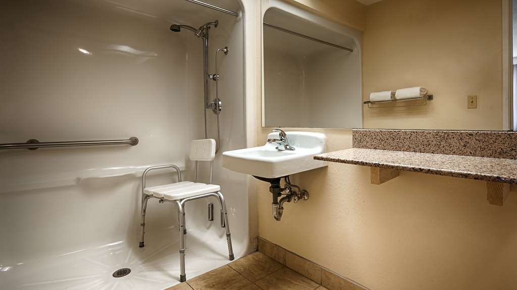 Best Western McKenzie - ADA Mobility Accessible Bathroom