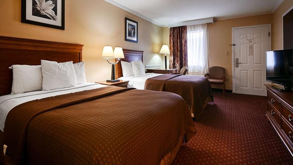 Best Western McKenzie - Guest Room with Two Double Beds