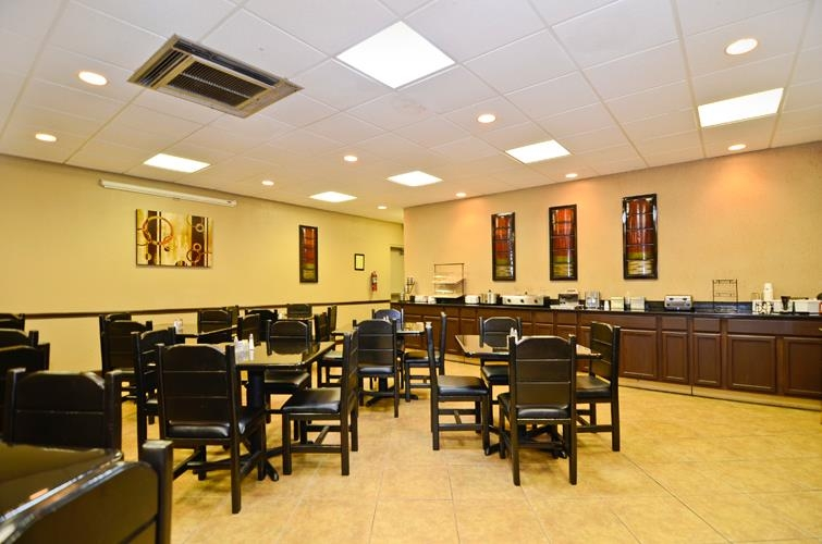 Best Western Johnson City Hotel & Conference Center - Zona de desayunos