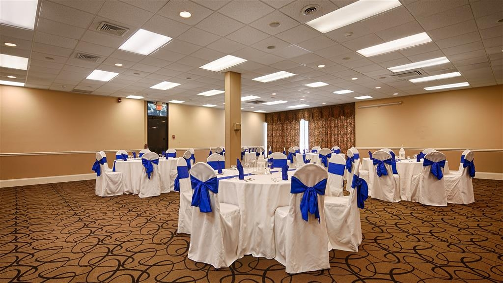Best Western Johnson City Hotel & Conference Center - salón de baile
