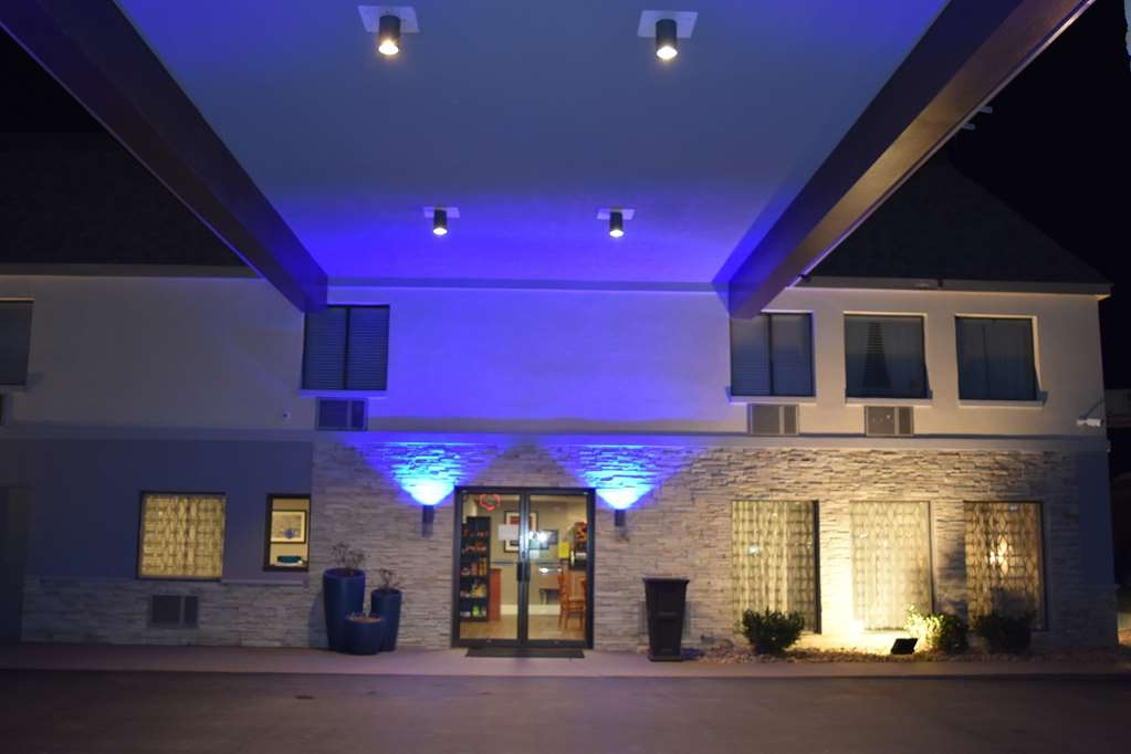 Best Western Executive Inn - Facciata dell'albergo