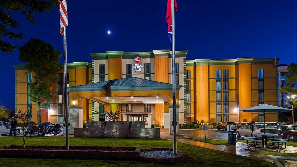 Best Western Plus Galleria Inn & Suites - Aussenansicht