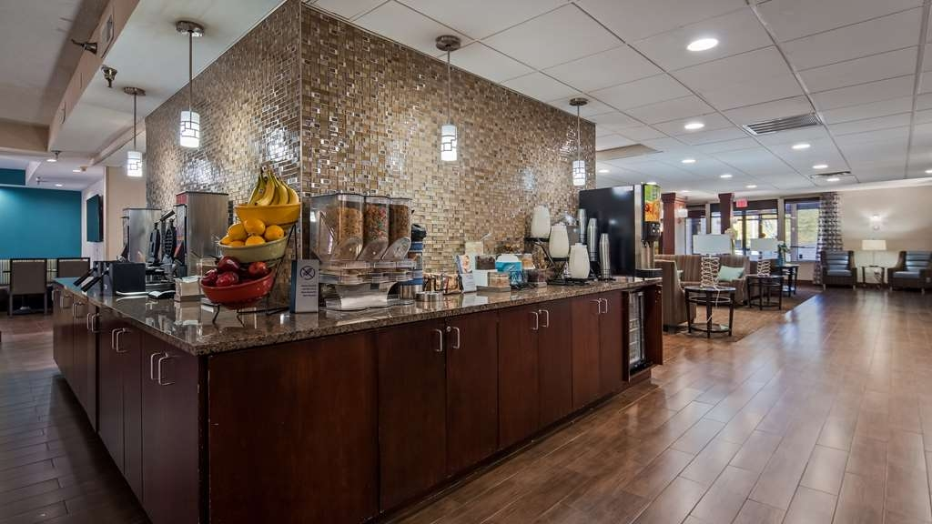 Best Western Plus Galleria Inn & Suites - Restaurant / Gastronomie