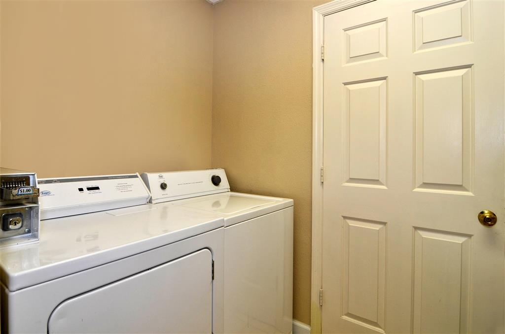Best Western Spring Hill Inn & Suites - Laundry Facilities
