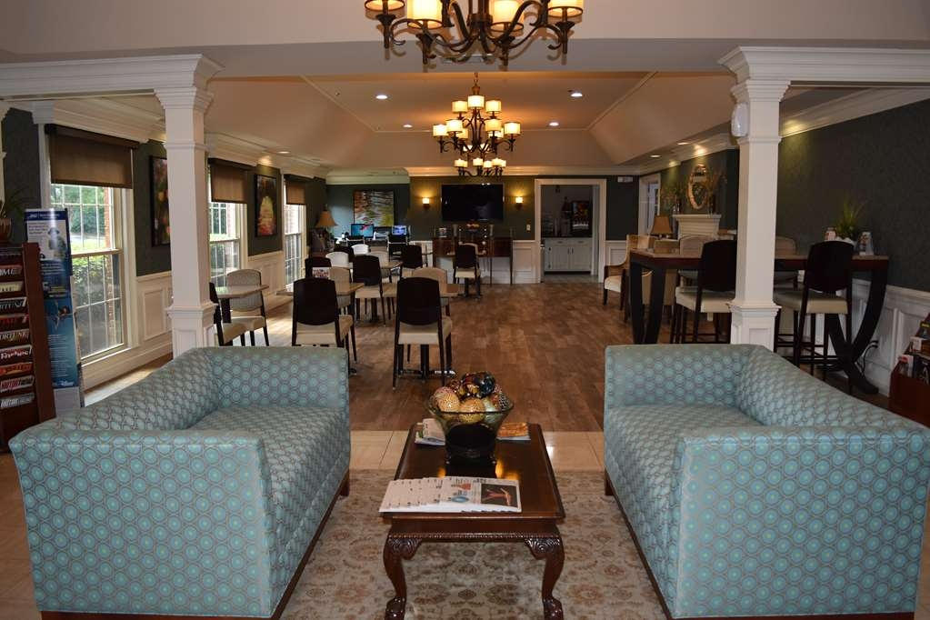 Best Western Spring Hill Inn & Suites - Hall dell'hotel