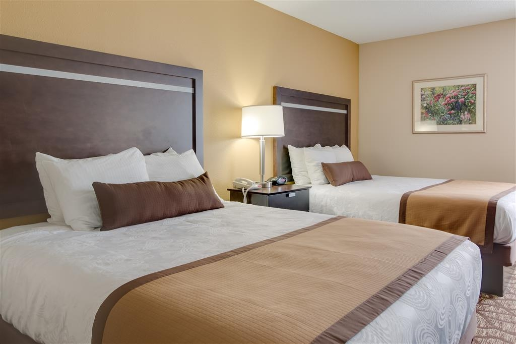 Best Western Plus Belle Meade Inn & Suites - If you're traveling with your family or group of friends, opt for our Double Queen.