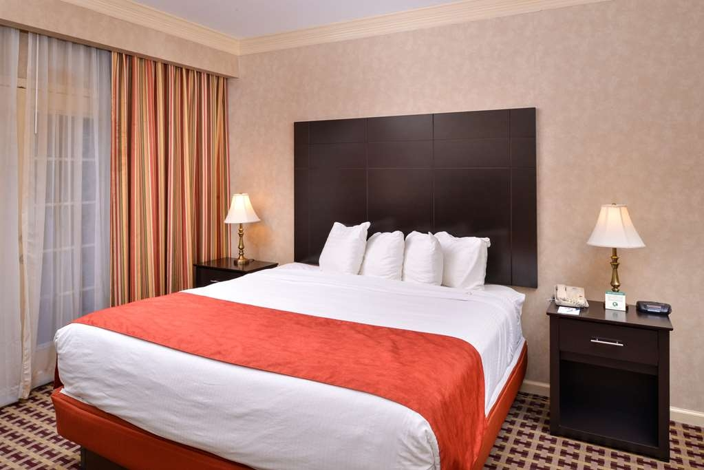 Best Western Brentwood - Guests can enjoy close proximity to Brentwood area attractions while staying at the hotel.
