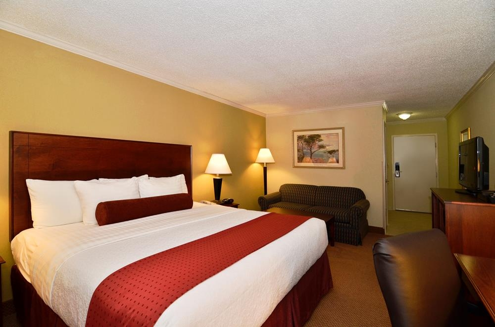 Best Western Plus Morristown Conference Center Hotel - Five pillows are provided for guest comfort in each king bed room.