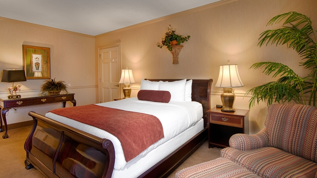 Best Western Plus Morristown Conference Center Hotel - Suite