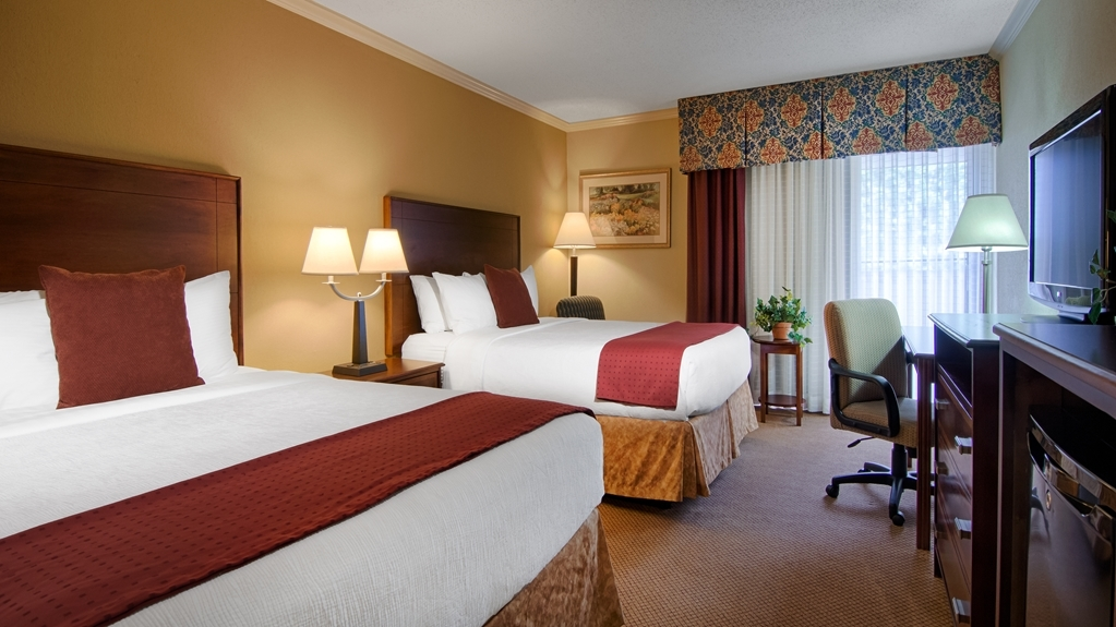Best Western Plus Morristown Conference Center Hotel - All guest rooms feature LCD televisions, mini refrigerators, and microwaves.