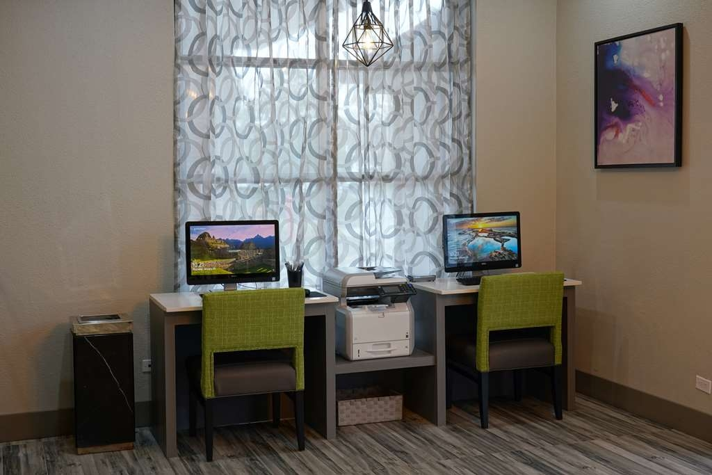 Best Western Plus Morristown Conference Center Hotel - Check email, surf the web, or do some work in our Business Center.